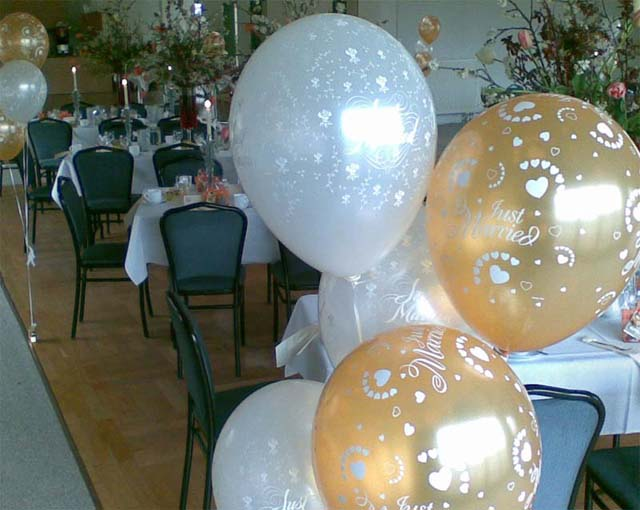 Abgehobene geschenke ballons und ballondekorationen for Dekoration mit luftballons